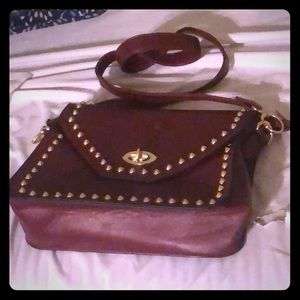 Handbags - NWOT BURGUNDY PURSE W/ GOLD STUDS